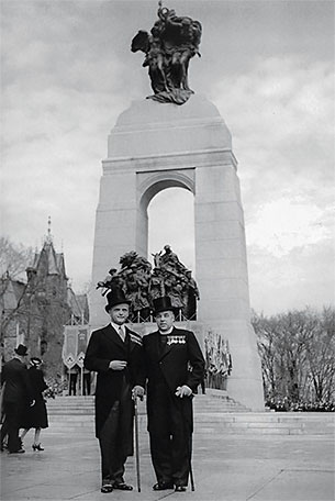 Edwin Baker, Vice-President of SAPA, and Padre Sidney Lambert, first President of The War Amps, at the unveiling of the National War Memorial in Ottawa, May 21, 1939.